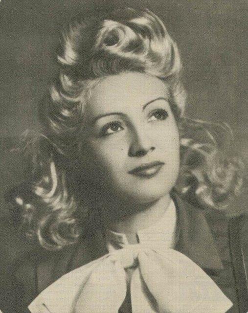 İlk kadın yönetmen Cahide Sonku