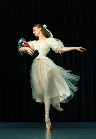 balanceandperfection: The Australian Ballet Company performing The Nutcrakcer