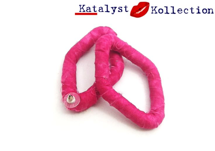 http://katalystkollection.co.za/index.php/accessories/product/25-pink-cotton-diamond-shaped-stud-earrings