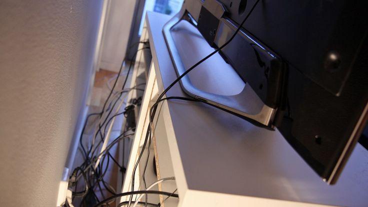 Har du ikke nok stikkontakter i veggen til alle dine tv-bokser? Da bør du skaffe deg et grenuttak med av-og-på-knapp, ifølge Gjensidiges brannvernekspert.