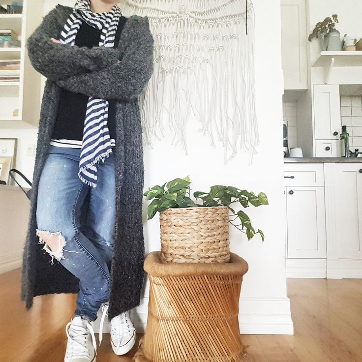 Headless selfies!! http://www.awhitestyle.com/ #mystyle #winter #autumn #womens #fashion #jeans #stripes #cardis #whatiwore