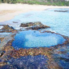 この画像のページは「告白される!恋が叶う!恋愛運アップの待ち受けで彼をゲット!」の記事の20枚目の画像です。最近では日本版「天国に一番近い島」といわれている東洋のガラパゴス「奄美大島」にある最強の恋のパワースポットが、住所不明、1日数時間しか見ることができない「ハートロック」です。 待ち受け用じゃなくても、写真が撮りたくなるほどフォトジェニックです。関連画像や関連まとめも多数掲載しています。