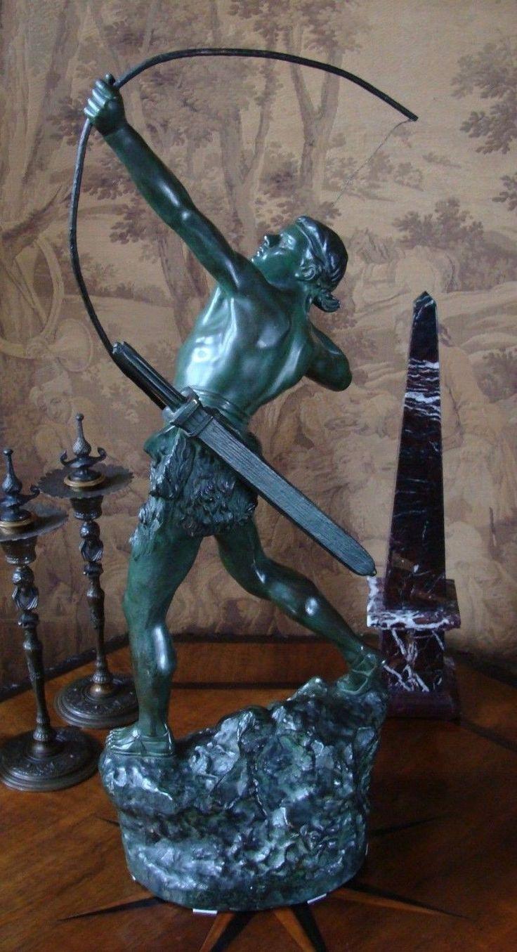 """Große Bronze Skulptur   """"Bogenschützer""""  signiert Emile Gregoire   ART DECO Figur  Jäger - Legionär - Krieger  Historismus - Stil  grün patiniert, signiert, gut erhalten  Höhe ca. 62 cm Breite ca. 25 cm Tiefe ca. 17 cm Gewicht ca. 10 kg  Émile Grégoire (1871-1948)"""