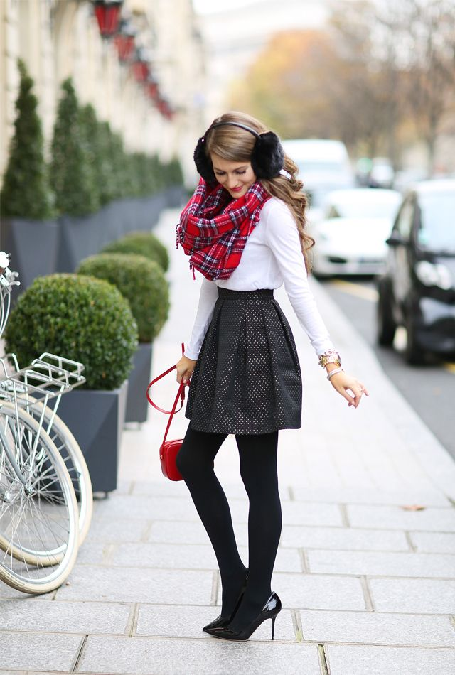 love this holiday skirt and plaid scarf outfit
