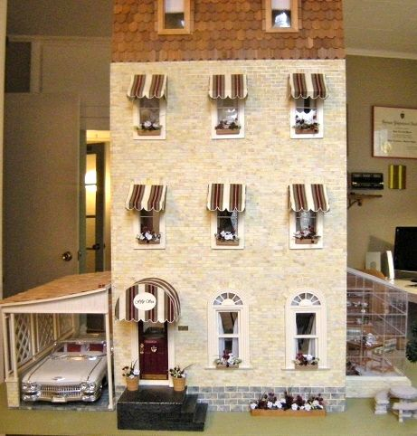 The Bentley Hotel.  Note the fabulous 1:12 scale Cadillac in the carport.  A gift from a friend!