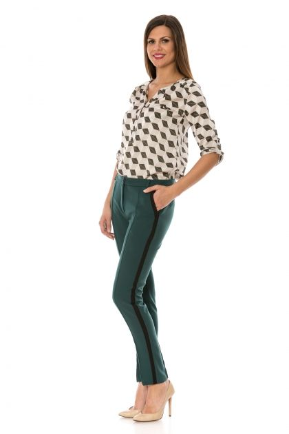 Pantaloni conici cu dunga neagra pe lateral