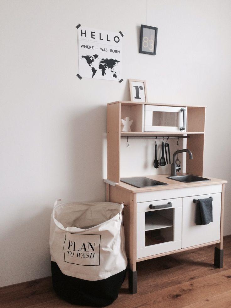 Inzwischen ein absoluter Klassiker im Kinderzimmer - die gute alte IKEA Spielküche.