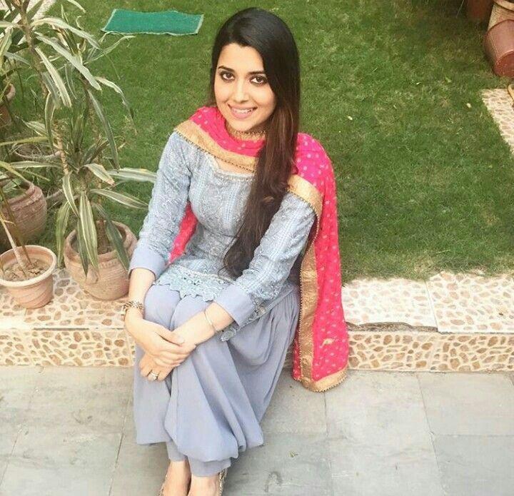 Punjabi girl dress latest images