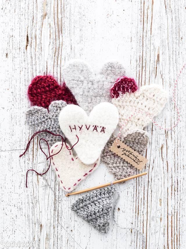 Virkattu sydän toivottaa synttärionnea, joulua tai ystävänpäivää. Voit tehdä ne keränjämistä tai huovuttaa hahtuvalangasta.