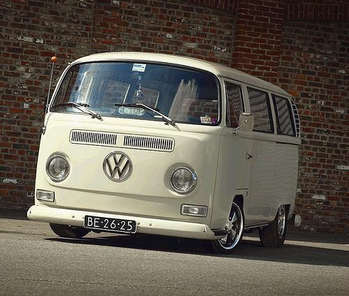 Lowered bay window. I normally go for the Vintage VW Bus but these later model ones are growing on me.