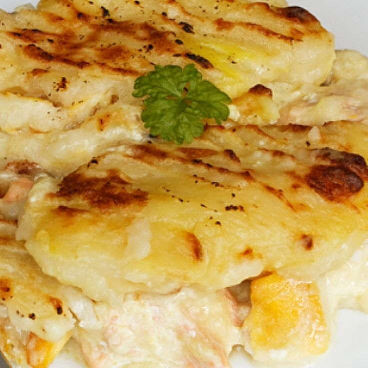 A great salmon recipe to use leftover salmon and potatoe from the night before.� Our family loves this meal.. Salmon Potato Pie Recipe from Grandmothers Kitchen.