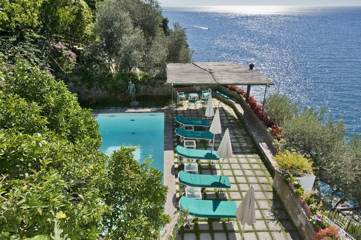 Villa Arienzo Campania & the Amalfi Coast Sleeps up to 8. There are magnificent views from the exceptional pool terrace of this enchanting villa in Positano, which is peacefully positioned, yet within reach of the beach and the village.