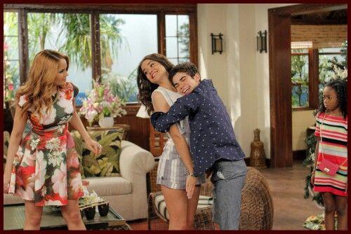 Quem não gosta de abraçar a Maia Mitchell outra vez!