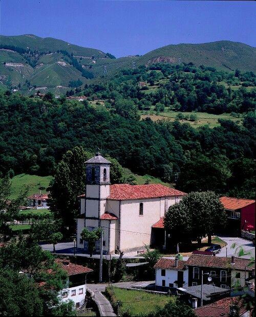 Aula del Reino situado en el barrio de Cangas de Arriba , alberga una exposicion sobre  la historia de los Reyes Astures