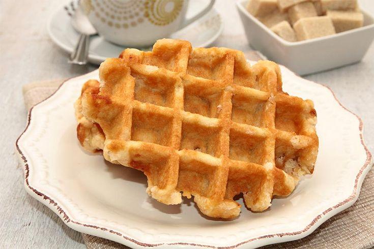 Recette de gaufres liégeoises au Thermomix TM31 ou TM5. Réalisez ce dessert en mode étape par étape comme sur votre Thermomix !