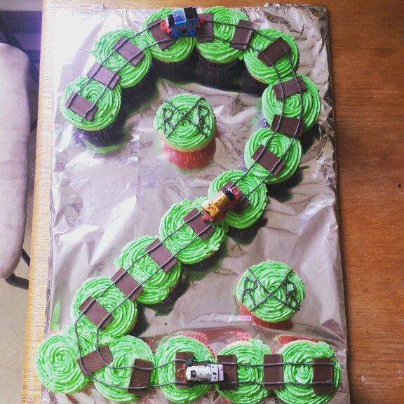 Thomas the train cupcake cake for a birthday party