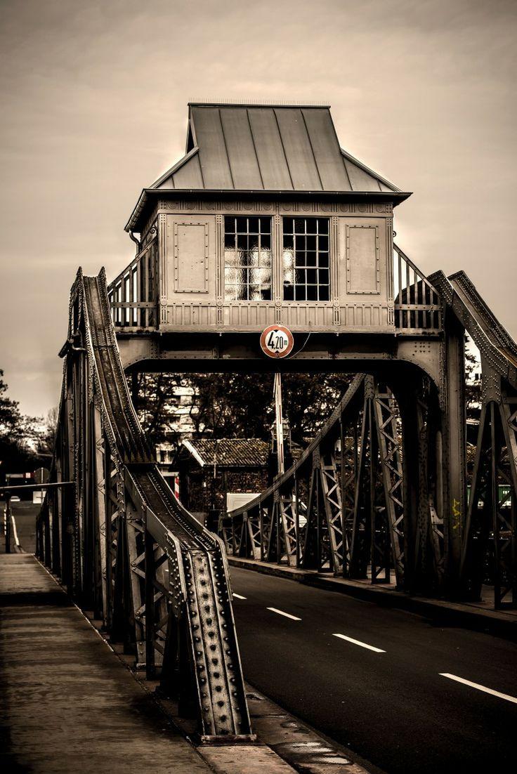 Bild des Tages: Deutzer Drehbrücke | xurzon.com – Photographie