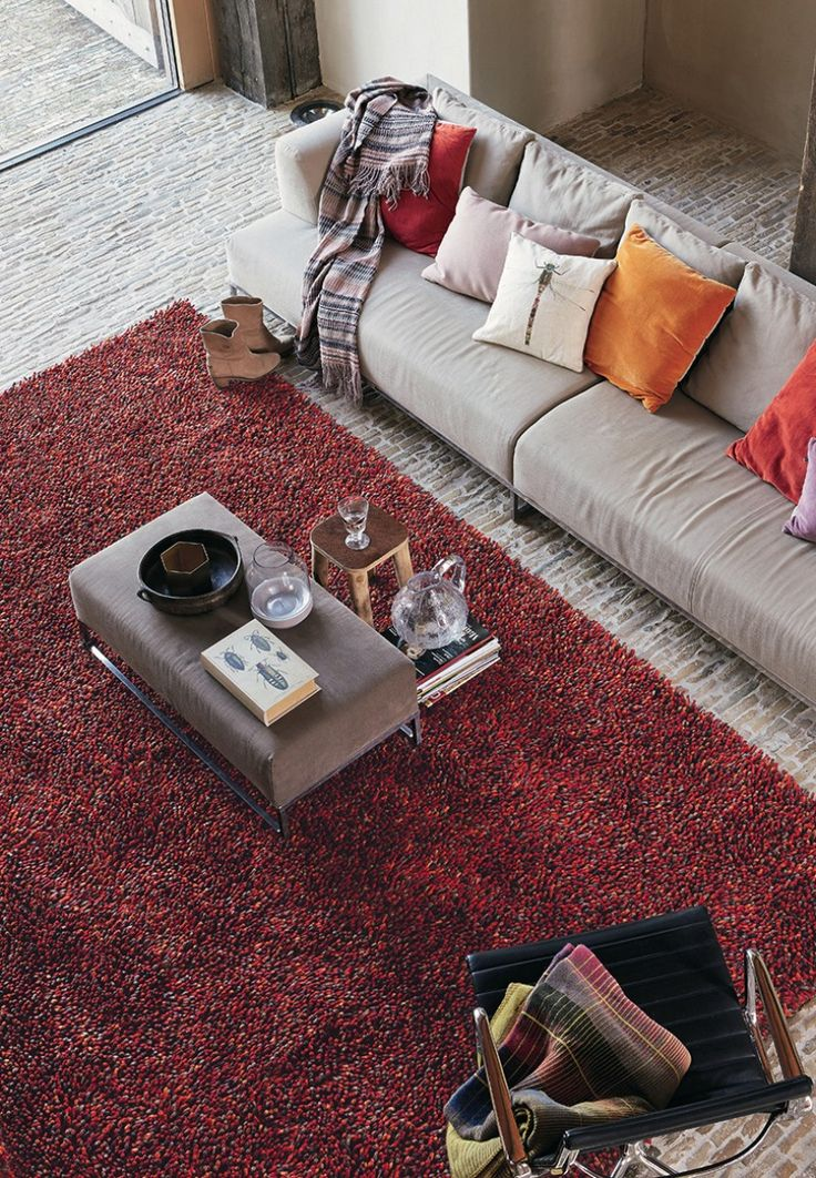 Red Shaggy Rug that adds some class and style to any living room floor. Not too bright and not too dark! Repin to join #TeamShag #CatwalkRugs