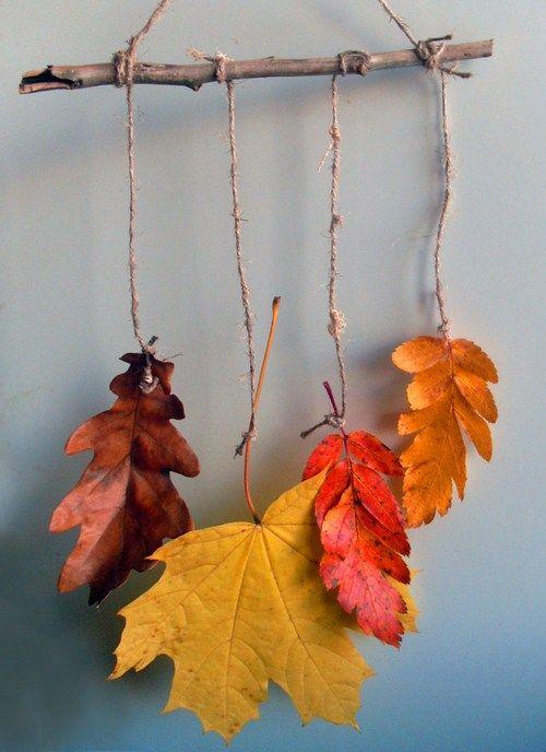 Decoração de folhas secas em uma filial