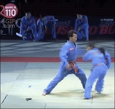 So ne scheisse hätte ich doch weiter Judo gelernt dann konnte ich mein Bruder um legen  xD nur schade das das fake ist