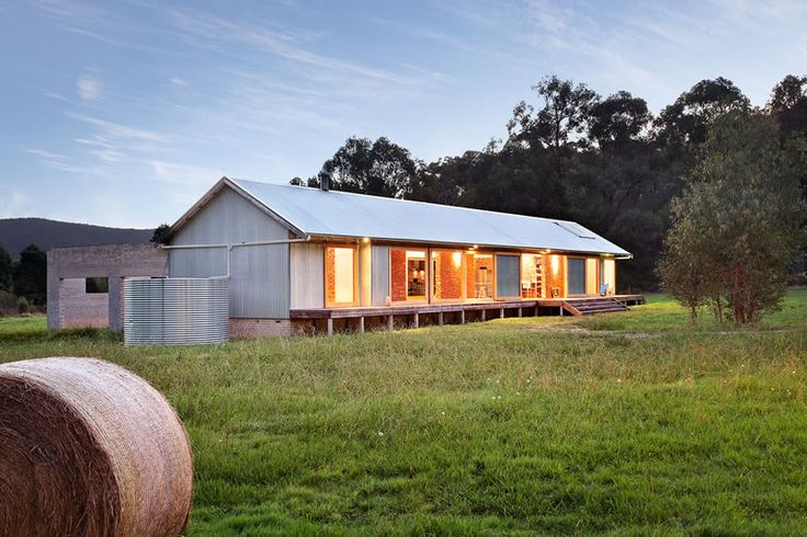 Award winning iconic Australian Architecture in the form of a modern 'Wool Shed'. Located on 10 acres in the Bunyip State Park. Tonimbuk Project - www.maxadesign.com.au