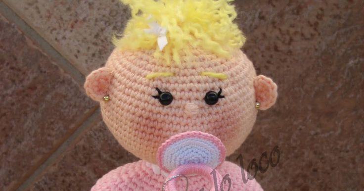 El bebé amigurumi guarda un secreto en su interior, si le acercas un poco el chupete a la boca, lo coge rápidamente. Puede estar días y...