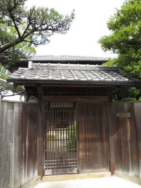 The entrance to the house where Minakata Kumakusu lived 148 years ago and afterwards