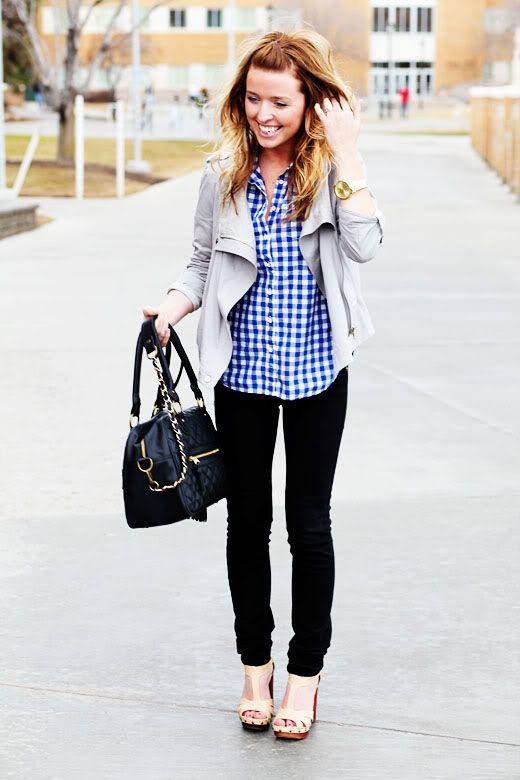 ブルー青系のチェック柄シャツは秋冬ファッションの人気もの。トレンドに左右されない安定したデザインはおしゃれなコーディネートの味方です。女性らしいものやガーリーなものなど着方もたくさんあるので各ブランドを要チェックです。海外女性のストリートスナップ画像から可愛い着こなしをまとめ。