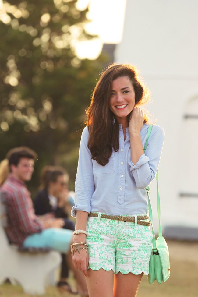 Sarah Vickers of Classy Girls Wear Pearls wears a J.CREW top, belt, and bag, and LILLY PULITZER shorts. (July 13, 2012)