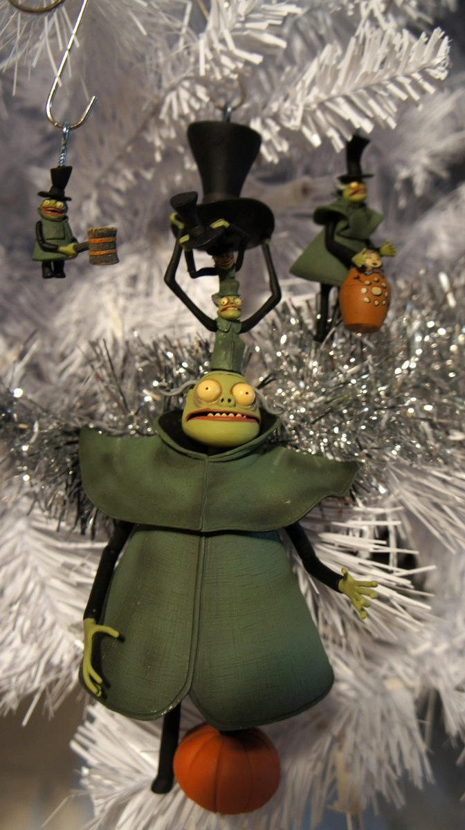 The nightmare before christmas ornaments - From Greg Horn S Custom Nightmare Before Christmas Tree Mr Hyde And His Little
