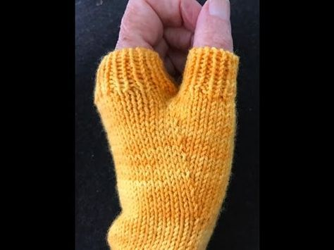 Perfect Thumb Gussets - Fingerless Mitts / Mittens / Gloves - YouTube