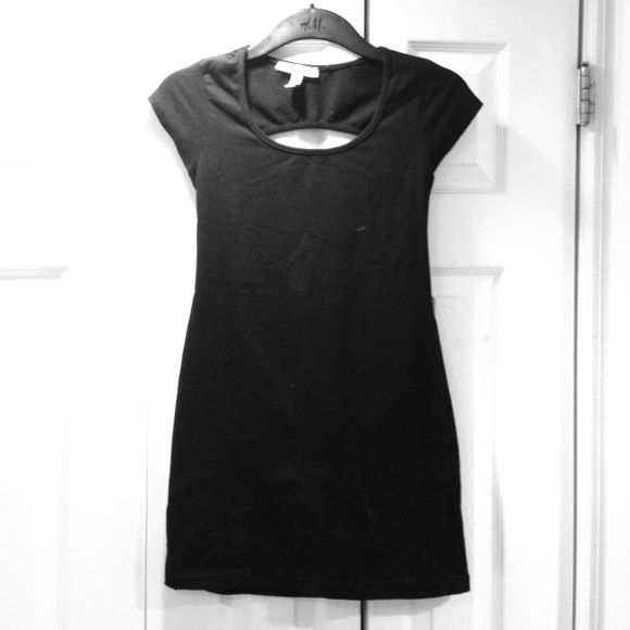 Little black dress Plain black mini dress with an open back. Perfect for going out! Barely worn. True to size. Clona Dresses Mini