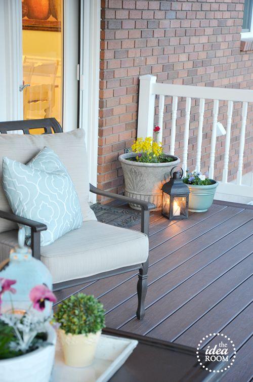 great patio decor!
