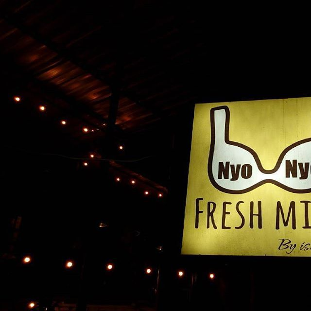 #nyonyo Milk Bar serves yummy flavored fresh #milk in #TeukuUmar. The small joint has 2 levels, both levels are semi open where you can watch people passing by. Popular with local youngsters, it also offers pancakes, kue cubit and #milkshakes. Perfect if you are craving for #sweets after dinner!  ____  ZoomBali.com  #bali #travel #traveling #travelingram #instatravel #tour #tourism #tourist #picoftheday #zoombalimap #dessert #travelapp #travelgram #instagood #wanderlust #traveljunkie #trip…