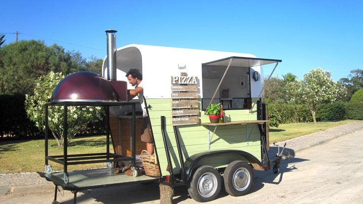 Pizza food trailer vintage horse trailer conversion - Remorque cuisine mobile ...