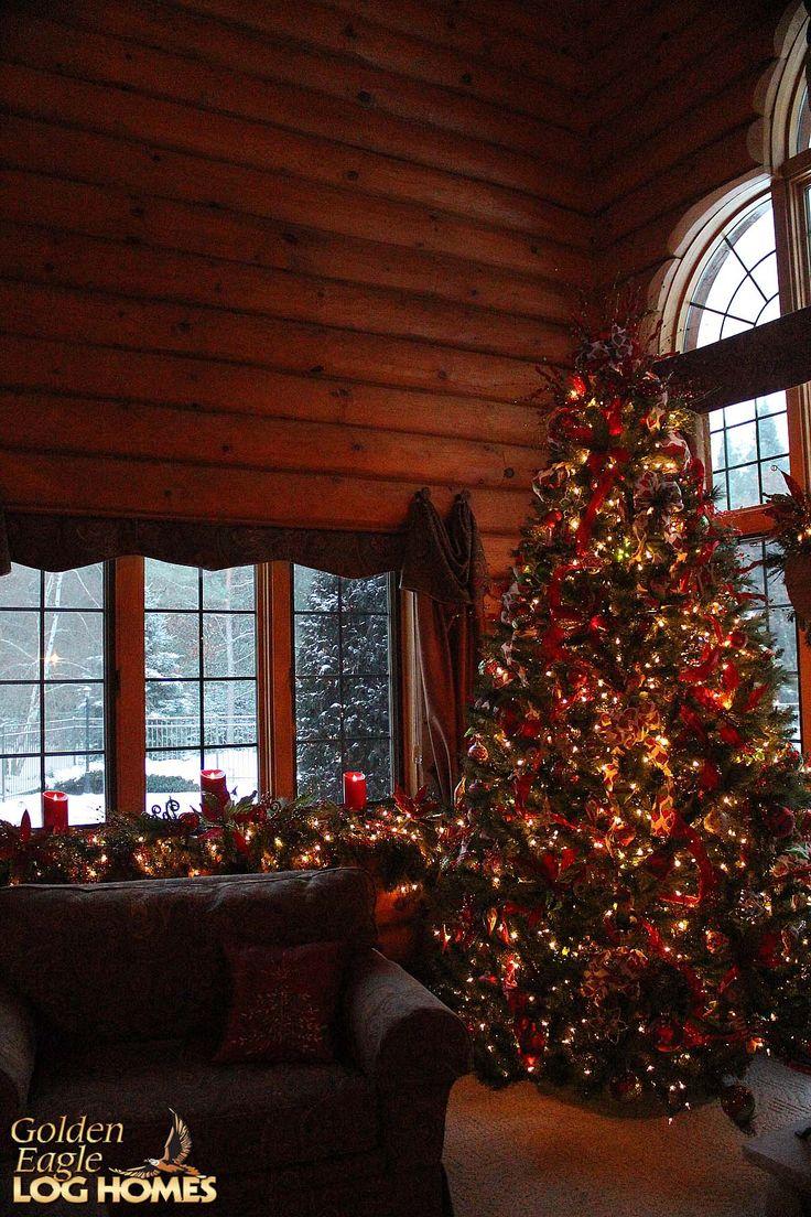 #christmas #snow #holidays #loghome #logcabin #loghomes #logcabins #LogHomeLiving #decorations #christmasdecorations #christmasdecor