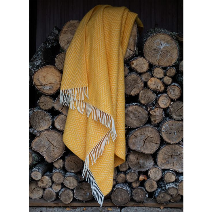 Lapuan Kankurit Iida Cloudberry Yellow Blanket