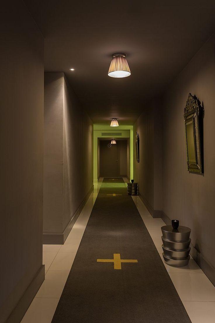 17 meilleures images propos de escaliers et couloirs sur for Couloir gris taupe