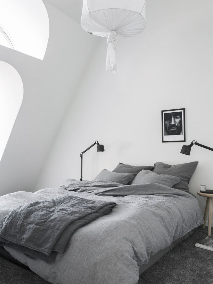Bedroom under the rooftop. Stylist Pella Hedeby, Photographer Sara Medina Lind