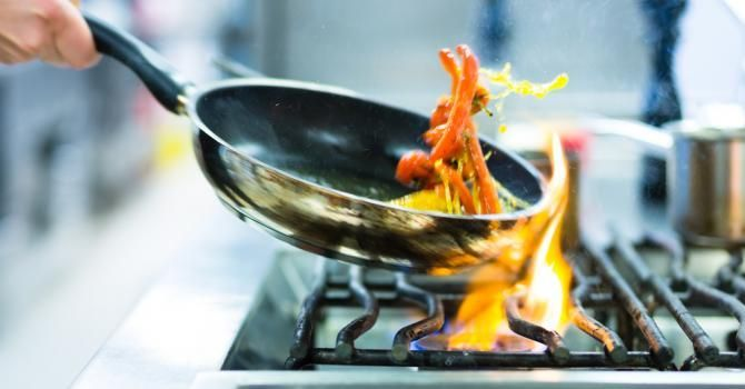 Comment éviter le stress en cuisine : http://www.fourchette-et-bikini.fr/cuisine/comment-eviter-le-stress-en-cuisine-32099.html