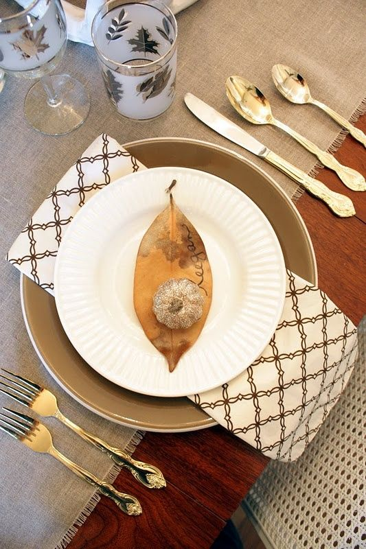 awesome gold-thanksgiving-decor-ideas-golden leaves on a plate server cupcakepedia