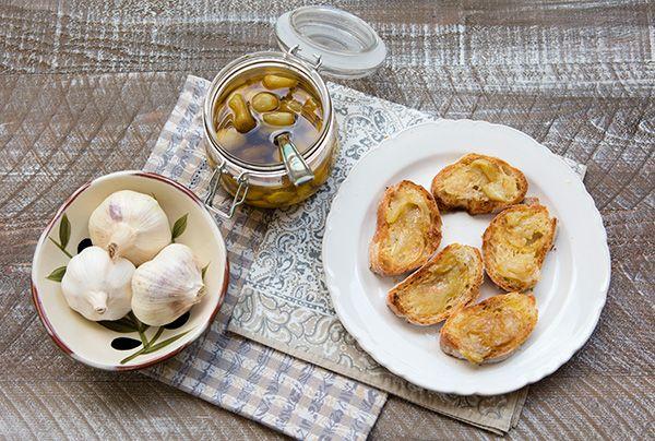 Italian Food Forever » Garlic Confit