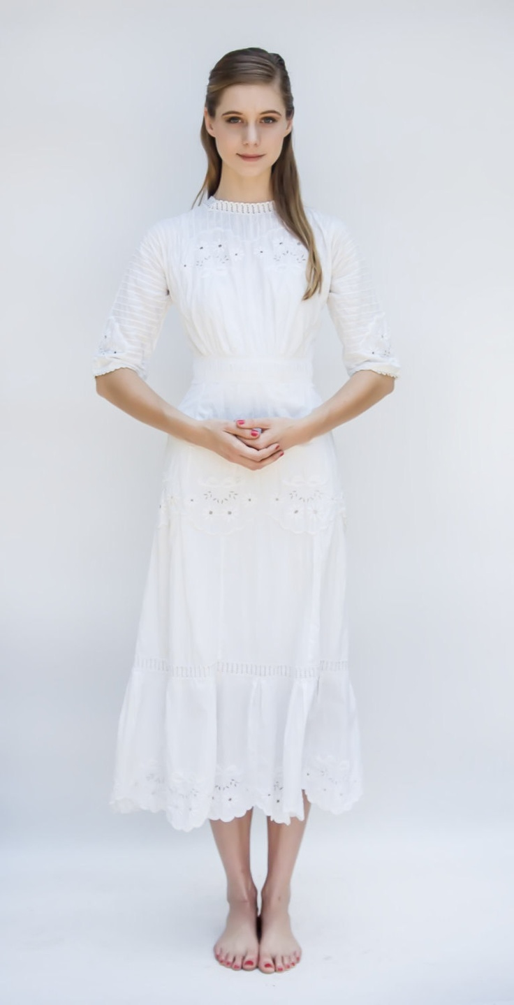 The dress garden - Vintage 1909 Dress Garden Party White Cotton Floral Embroidered Pin Tuck Edwardian Day