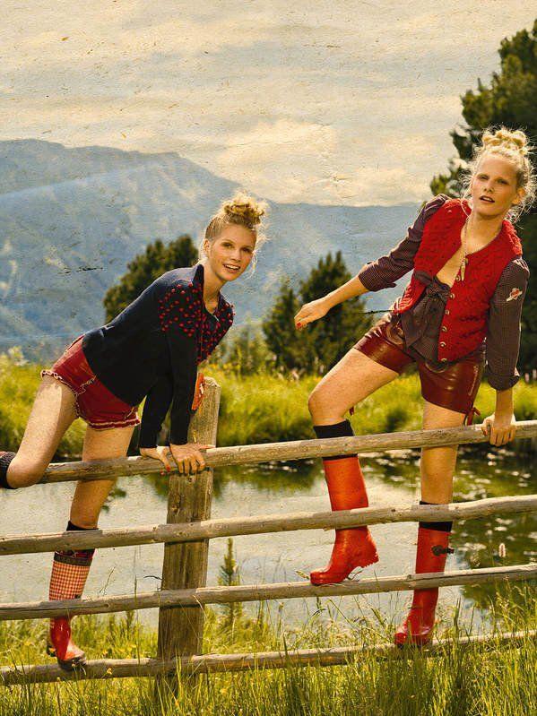 Herbstmode+für+die+Berge:+Liebesgrüße+aus+dem+Engadin!Links:+Strickpulli+mit+roten+Noppen+von+C