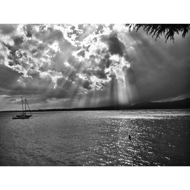 Torri del Benaco #torridelbenaco #lakegarda #lake #garda #clouds#copyright #sea #sun