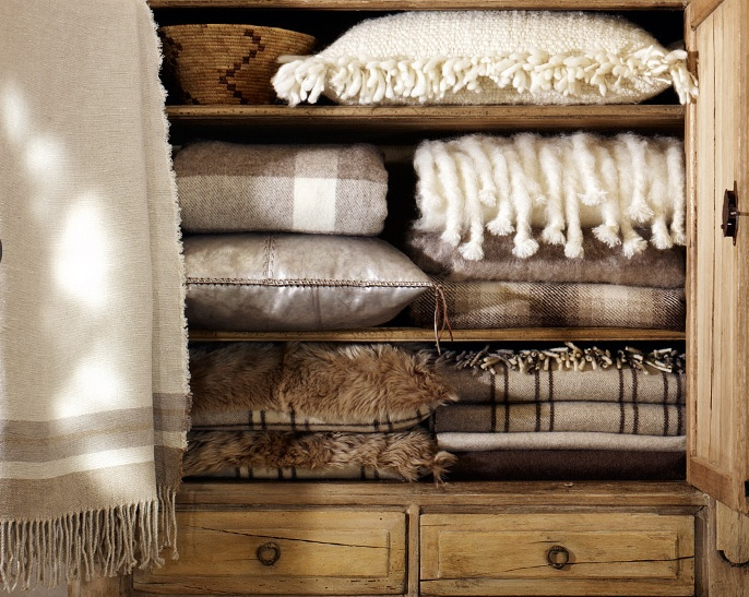 We love the blend of cosy textures and neutral colours from the Ralph Lauren Alpine Lodge collection.