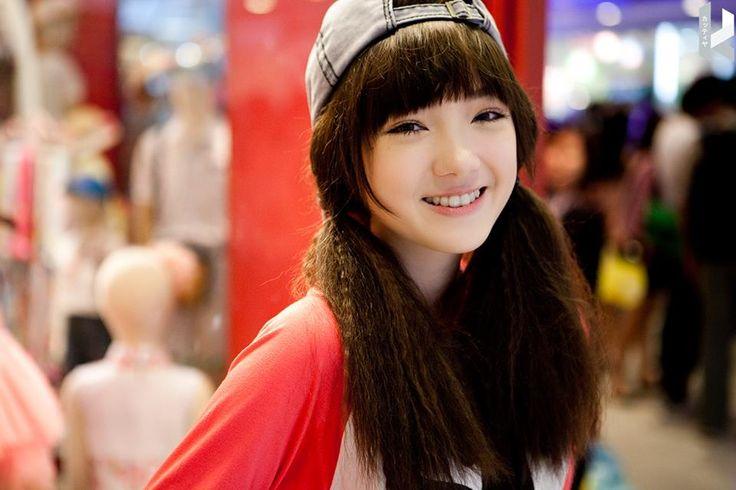 PloychompooFC ig Jannina Weigel (@janninaw)