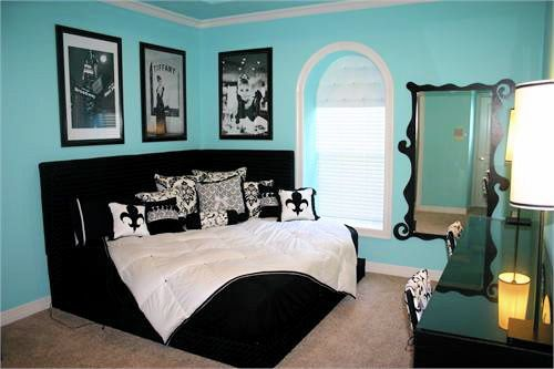 Corner Bed... And wall color: Wall Colors, Guest Room, Corner Beds, Tiffany Blue, Girls Room, Room Ideas, Breakfast At Tiffany, Dreams Room, Bedrooms Ideas