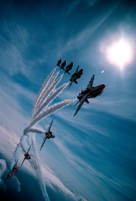 [Red Arrows in swept Big 9 formation]  ... O M G ... that is just breathtaking !!!  Woohoo!