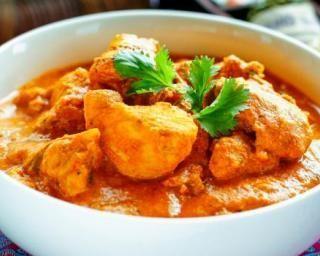 Poulet tikka massala à l'indienne en sauce au yaourt : http://www.fourchette-et-bikini.fr/recettes/recettes-minceur/poulet-tikka-massala-lindienne-en-sauce-au-yaourt.html
